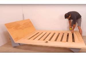Как сделать кровать из фанеры?